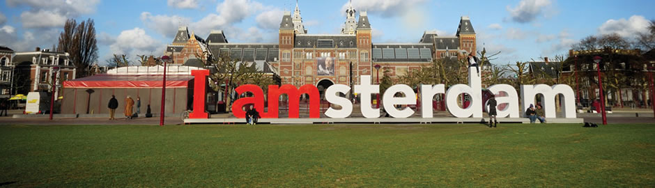 BookTaxiAmsterdam delivers high quality premium sevices in Amsterdam